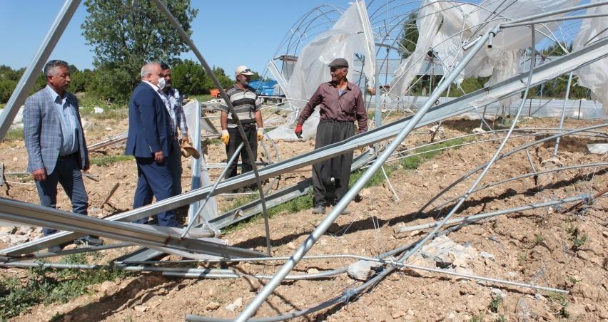 Fırtınada 168 üreticinin 510 dekar serası hasar gördü