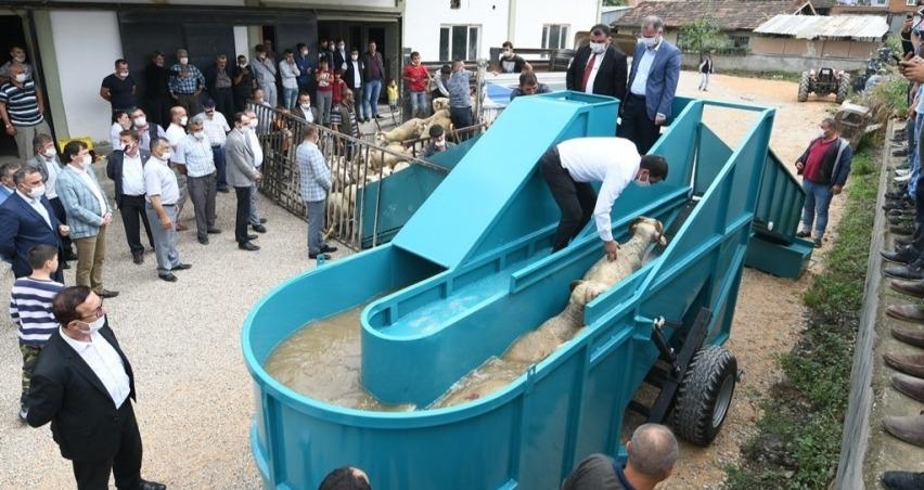 Yetiştiricilere 'Taşınabilir Hayvan Yıkama Havuzu'